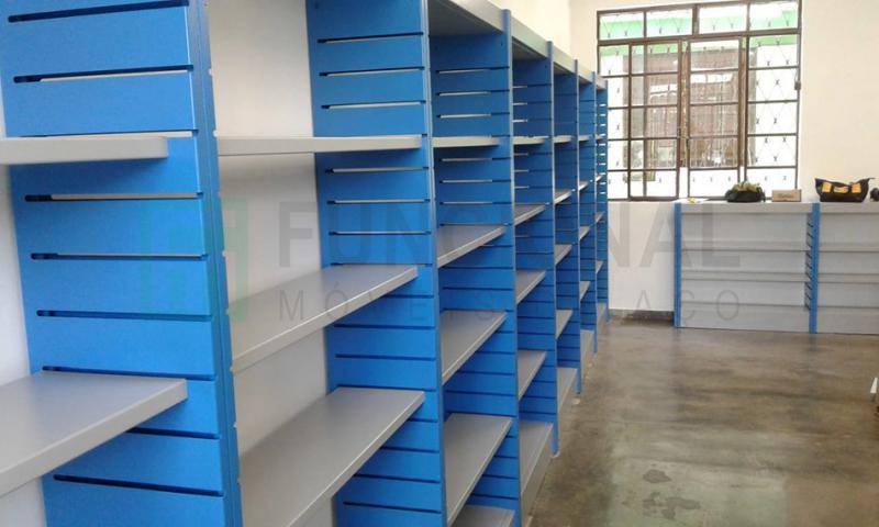 Móveis para biblioteca em aço